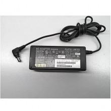 Блок питания (зарядка) Fujitsu 16V 3.75A 65W (6.5*4.4 с центральным пином) Б/У
